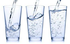 Cách chữa viêm đường tiết niệu tại nhà bằng cách uống nước